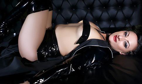 Camgirl EroticSub Puts on a Show